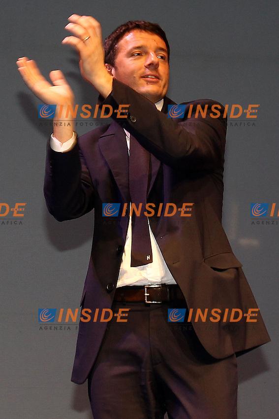 """Matteo Renzi durante il comizio del Partito Democratico.Firenze 01/02/2013 Teatro """"OBI Hall"""".campagna elettorale elezioni politiche 2013.Foto Insidefoto Paolo Nucci."""