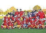 2015-11-01 / voetbal / seizoen 2015-2016 / Retie - Vorselaar / svbo / SK Retie is periodekampioen en dat wordt uitbundig gevierd door de ploeg