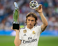Luka Modric of Real Madrid wiith the trophy after being named UEFA Champions League Player of the Year before the match between Real Madrid v Cd Leganes of LaLiga, 2018-2019 season, date 3. Santiago Bernabeu Stadium. Madrid, Spain - 1 September 2018. Mandatory credit: Ana Marcos / PRESSINPHOTO