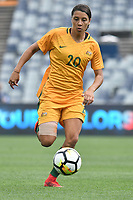 26 November 2017, Melbourne - SAM KERR (20) of Australia runs with the ball during an international friendly match between the Australian Matildas and China PR at GMHBA Stadium in Geelong, Australia.. Australia won 5-1. Photo Sydney Low