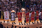 Yokuzuna ranked Mongolian Hakuho (Mönkhbatyn Davaajargal; left), and Ozeki ranked fellow-Mongolian Harumafuji (Davaanyamyn Byambadorj, right) head of a bout in the controversial Nagoya summer Grand Sumo Tournament held on the 14th and second final day.