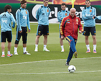 POLAND - Gniewino - 06 JUNE 2012 - Spain Training Session at Gniewino. Spanish coach Del Bosque touching. the ball.