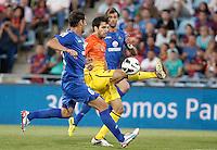 GETAFE, ESPANHA, 15 SETEMBRO 2012 - CAMP. ESPANHOL - GETAFE X BARCELONA - Fabregas (D) jogador do Barcelona durante lance de partida contra o Getafe em jogo valido pela 4 rodada do campeonato espanhol em Getafe na Espanha, neste sabado. O Barcelona venceu por 4 a 1 e se mantem na lideranca. (FOTO: ALFAQUI / BRAZIL PHOTO PRESS).