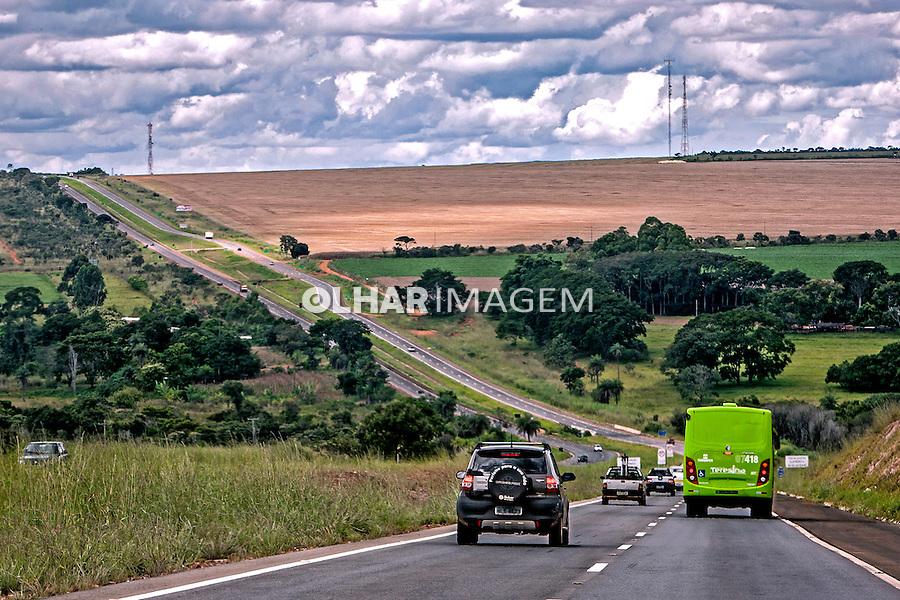 Estrada rodovia BR 020 em Formosa. Goias. 2013. Foto de Ubirajara Machado.