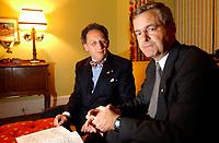 Boris et Marc Garneau, entre 2001 et 2004 (Date inconnue)<br /> <br /> PHOTO : <br />  - Agence Quebec Presse<br /> <br /> NOTE : Les ajustements finaux, recadrage et retouche des poussieres seont effectu&eacute;es sur les images command&eacute;es.