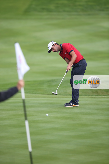 Edouardo Molinari (ITA) tries for birdie on the 10th during Round Three of the ISPS Handa Wales Open 2014 from the Celtic Manor Resort, Newport, South Wales. Picture:  David Lloyd / www.golffile.ie
