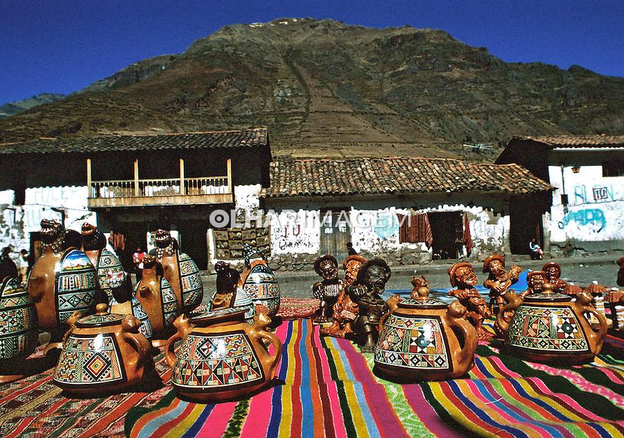 Artesanato peruano em Pisac, Vale Sagrado dos Incas. Perú. Foto de Juca Martins<br /> Data: 1994