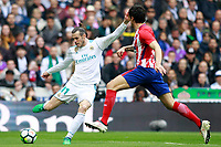 Real Madrid's Gareth Bale (l) and Atletico de Madrid's Gabi Fernandez during La Liga match. April 8,2018. (ALTERPHOTOS/Acero) /NortePhoto NORTEPHOTOMEXICO