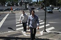 SAO PAULO, SP, 14.09.2013 - VELORIO LUIZ GUSHIKEN - O prefeito de Sao Paulo Fernando Haddad no velório do corpo do ex-ministro Luiz Gushiken, no Cemitério Redenção, na região oeste da capital paulista, neste sábado (14). Gushiken morreu na noite de ontem (13), no Hospital Sírio- Libanês, onde estava internado em estado grave para tratar de um câncer. O enterro está confirmado para às 16h. (Foto: Mauricio Camargo / Brazil Photo Press).