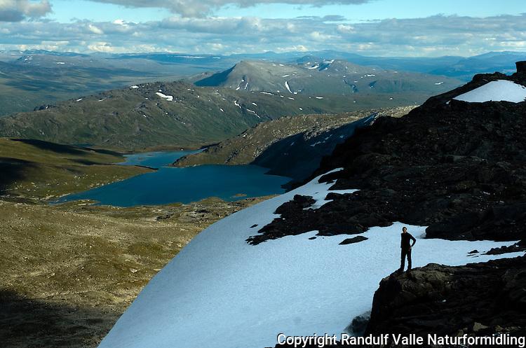 Utsikt fra Gilatinden mot Bjøllådalen på Saltfjellet ---- View from Gilatinden at Saltfjellet