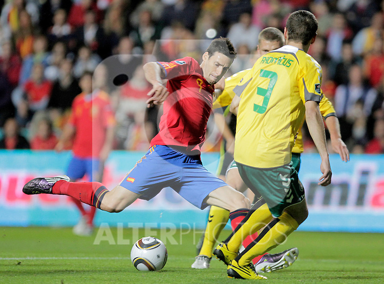 Spain's Aritz Aduriz (l) during UEFA Eurocup 2012 qualifying match.October 8,2010. (ALTERPHOTOS/Acero)