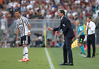 Calcio, Serie A: Roma vs Juventus. Roma, stadio Olimpico, 30 agosto 2015.<br /> Juventus coach Massimiliano Allegri gives indications to his players during the Italian Serie A football match between Roma and Juventus at Rome's Olympic stadium, 30 August 2015.<br /> UPDATE IMAGES PRESS/Isabella Bonotto
