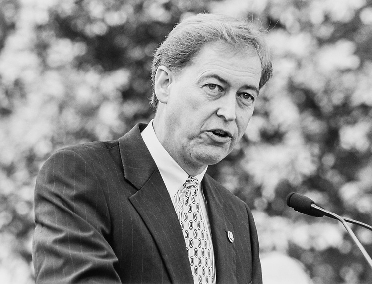 Rep. Rod Grams, R-Minn. on Sept. 21, 1994. (Photo By Laura Patterson/CQ Roll Call)