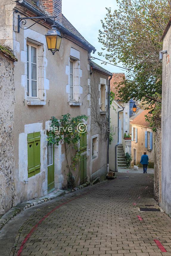 France, Cher (18), région du Berry, Sancerre, ruelle du Puits de Dieu  // France, Cher, Sancerre, Puits de Dieu street