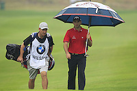 Oliver Wilson (ENG) walks onto the 1st green during Thursday's Round 1 of the 2014 BMW Masters held at Lake Malaren, Shanghai, China 30th October 2014.<br /> Picture: Eoin Clarke www.golffile.ie