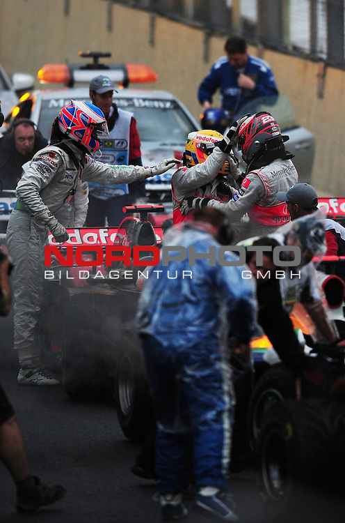 Jenson Button (GBR), Honda Racing F1 Team - Lewis Hamilton (GBR), McLaren Mercedes - Heikki Kovalainen (FIN), McLaren Mercedes
