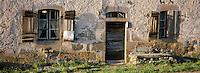 France/15/Cantal/Dienne: Détail habitat montagnard dans le massif du Puy Mary (1787 mètres)