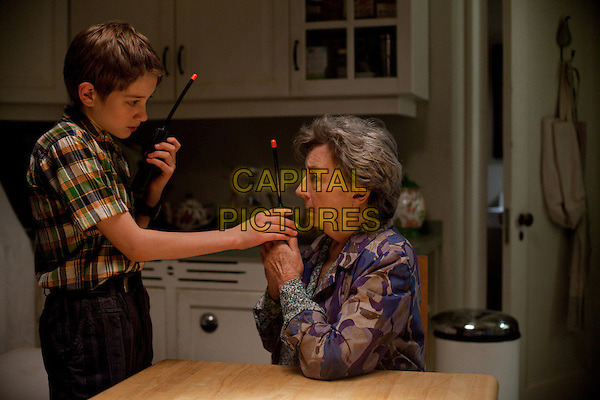 THOMAS HORN & ZOE CALDWELL .in Extremely Loud and Incredibly Close .*Filmstill - Editorial Use Only*.CAP/FB.Supplied by Capital Pictures.