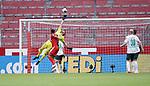 v.l. Karim Onisiwo (Mainz), Torwart Jiri Pavlenka (Bremen), Niklas Moisander, Davy Klaassen<br />Mainz, 20.06.2020, Fussball Bundesliga, 1. FSV Mainz 05 - SV Werder Bremen