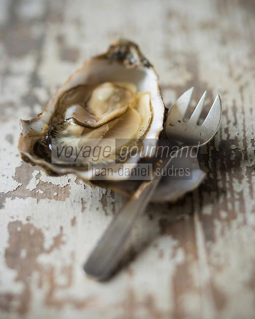 France, Manche (50), Blainville-sur-Mer,  Huîtres de Normandie  de Louis Tessier ostréiculteur <br /> // France, Manche, Blainville sur Mer, Louis Tessier oyster grower,  Oysters from Normandy