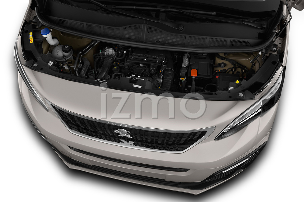 Car stock 2018 Peugeot Traveller Business 4 Door Mini Van engine high angle detail view