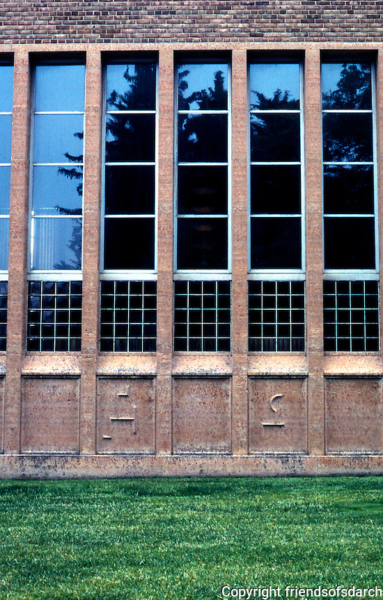 Eliel Saarinen: Cranbrook Academy, Library wing elevation. Photo '97.