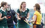 ALMERE - Hockey - Overgangsklasse competitie dames ALMERE- ROTTERDAM (0-0) . Bregje Sikkink (R'dam protesteert bij  scheidsrechter Yrma Storm van 's Gravesande.   COPYRIGHT KOEN SUYK