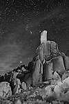 Standing stone rockpile in Joshua Tree National Park