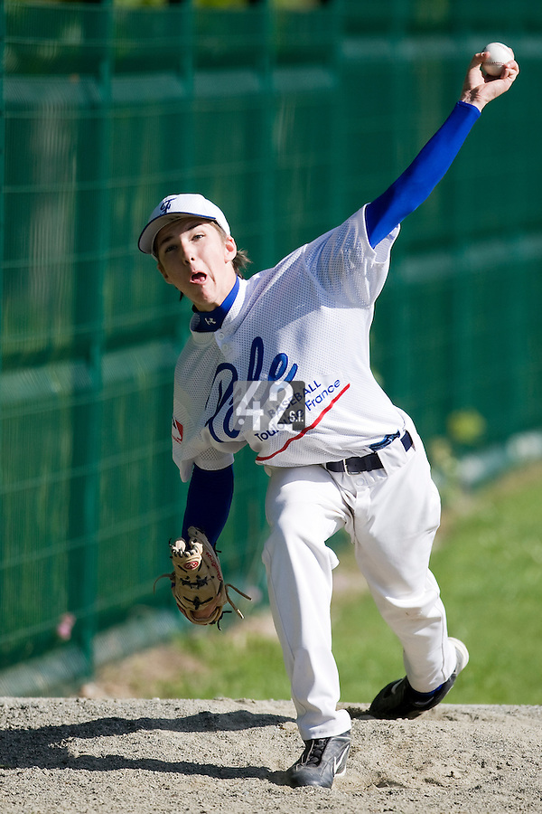 30 April 2008: Steven Vesque of France pitches during the first of seven 2008 MLB European Academy Try-out Sessions throughout Europe, at Stade Kandy Nelson Ball Park, in Toulouse, France. Try-out sessions are run by members of the Major League Baseball Scouting Bureau with assistance from MLBI staff.