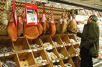 Roma, .Supermercato Coop Laurentino.Prosciutti e salumi.Rome.Supermarket Coop Laurentino.hams and sausages.