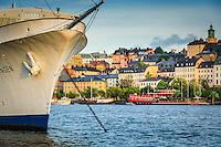 Mälardrottningen och Mariaberget med Söder Mälarstrand i Stockholm