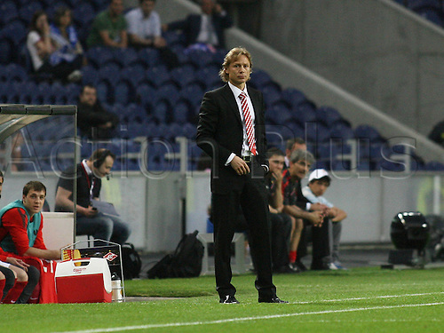 07 04 2011  Porto Portugal FC Porto vs Spartak MOSCOW UEFA Europe League 2010 2011 Quarter Finals First Leg in Picture Valery Karpin Spartak Coach