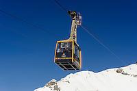 Seilbahn zur Gipfelstation des Nebelhorn bei  Oberstdorf im Allg&auml;u, Bayern, Deutschland<br /> cable car onto top station of  Mt.Nebelhorn near Oberstdorf, Allg&auml;u, Bavaria, Germany