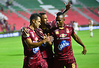 IBAGUE - COLOMBIA, 04-08-2019: Anderson Plata del Tolima celebra después de anotar el tercer gol de su equipo partido entre Deportes Tolima e Independiente Santa Fe por la fecha 4 de la Liga Águila II 2019 jugado en el estadio Manuel Murillo Toro de la ciudad de Ibagué. / Anderson Plata of Tolima celebrates after scoring the third goal of his team during match between Deportes Tolima and Independiente Santa Fe for the date 4 as part of Aguila League II 2019 played at Manuel Murillo Toro stadium in Ibague. Photo: VizzorImage / Juan Carlos Escobar / Cont