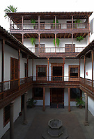 Spain, Canary Islands, La Palma, Santa Cruz de La Palma: capital - old town, Palacio de Salazar, courtyard