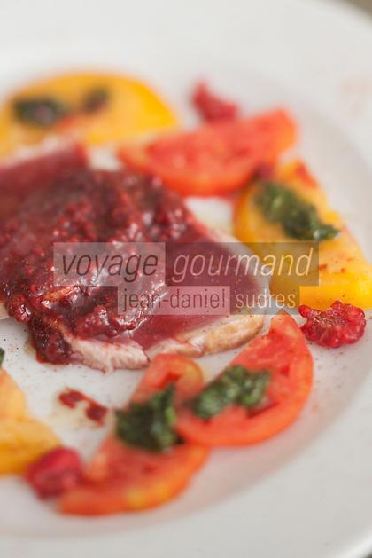 Europe/France/Provence-Alpes-Côte d'Azur/13/Bouches-du-Rhône/Marseille: Thon mi-cuit avec sa salade de tomates anciennes bio, recette du restaurant Le Grain de Sel