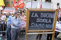 Roma, 20 Maggio 2015<br /> <br /> Protesta in Piazza Montecitorio contro il DDL scuola in discussione e votazione alla Camera