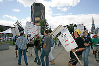 Montreal,(Qc) CANADA - August 23 2005 - Lock Out at Montreal's office of the Canadian Broadcasting Corporation (CBC) and Societe Radio-Canada (SRC)