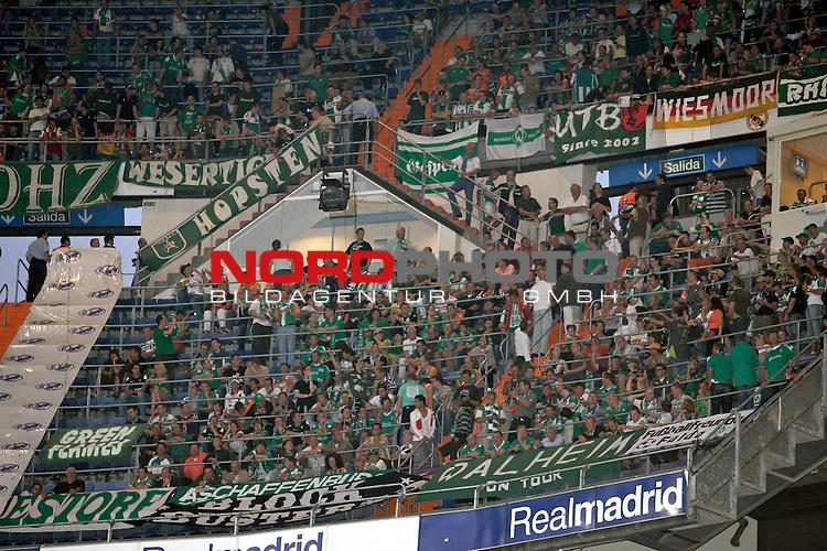 UEFA  Champions League  2007/2008 Gruppe C <br />1. Gruppenspiel - SANTIAGO BERNABEU Stadion Madrid<br /><br />REAL MADRID - WERDER BREMEN <br /><br />Bremer Fans im SANTIAGO BERNABEU Stadion Madrid<br /><br />Foto &copy; nph (  nordphoto  )<br /><br /><br /><br /> *** Local Caption ***