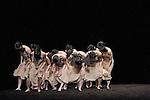 LE SACRE DU PRINTEMPS (Das Fr&uuml;hlingsopfer)<br /> <br /> Chor&eacute;graphie : Pina Bausch<br /> Costumes : Rolf Borzik, Marion Cito, hans Pop<br /> K&uuml;nstlerische Leitung : Lutz F&ouml;rster<br /> Mitarbeit und Probenleitung : Barbara Kaufmann<br /> Wiederaufnahme : Kenji Takagi<br /> Mit dem Sinfonieorchester Wuppertal unter der K&uuml;nstlerischen Leitung<br /> von Toshiyuki Kamioka<br /> Pablo Aran Gimeno&sbquo; Rainer Behr, Andrey Berezin, Damiano Ottavio<br /> Bigi, Wladislav Bondarenko, Luiza Braz Batista, Lea Burkart, Chin-Yu<br /> Chi, Da Soul Chung, Ji-Hye Chung, Chang-Wen Hsu, Ale&auml; Cu&ouml;ek,<br /> Cagdas Ermis, Silvia Farias Heredia, Chrystel Guillebeaud, Paul Hess,<br /> Ditta Miranda Jasjfi, Scott Jennings, Kyungwoo Kwon, Thusnelda<br /> Mercy, Safet Mistele, Jan M&ouml;llmer, Blanca Noguerol Ramirez, Jorge<br /> Puena Armenta, Azusa Seyama, Julian Stierle, Michael Strecker,<br /> Fernando Suels Mendoza, Tsai Wei Tien, Anna Wehsarg&sbquo; Paul White&sbquo;<br /> Szu-Wei Wu, Ophelia Young, Tsai-Chin Yu&sbquo; Sergey Zhukov<br /> Spieldauer: 35 Minuten<br /> Premiere: 3. Dezember 1975<br /> Auff&uuml;hrungsrechte: Musikverlag Boosey &amp; Hawkes, Bonn<br /> <br /> Date : le 30/04/2014<br /> Ville : Wuppertal