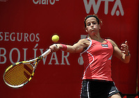 BOGOTA - COLOMBIA - FEBRERO 19: Lourdes Dominguez Lino de España, devuelve la bola a Catalina Castaño de Colombia, durante partido por la Copa de Tenis WTA Bogotá, febrero 19 de 2013. (Foto: VizzorImage / Luis Ramírez / Staff). Lourdes Dominguez Lino from España returns the ball to Catalina Castaño from Colombia during a match for the WTA Bogota Tennis Cup, on February 19, 2013, in Bogota, Colombia. (Photo: VizzorImage / Luis Ramirez / Staff) ..............