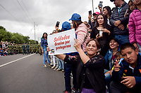 BOGOTÁ - COLOMBIA, 20-07-2018: Personas agradeciendo a las fuerzas armadas de Colombia durante el desfile Militar del 20 de Julio con motivo del 208 Aniversario de la Independencia de Colombia realizado por las calles de la ciudad de Bogotá. / People thankful to the armed forces of Colombia during July 20th Military Parade on the occasion of the 208th Anniversary Independence of Colombia that took place trough the streets of Bogota city. Photo: VizzorImage / Nicolas Aleman / Cont