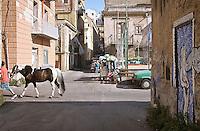 Palermo, quartiere Borgo vecchio, periferia degradata nel cuore della citt&agrave;.<br /> Palermo: &quot;Borgo Vecchio district&quot; deprived suburb within the heart og the city