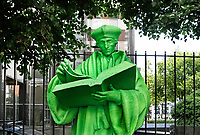 Nederland  Rotterdam 2017. De grootste Rotterdammer aller tijden, Erasmus, wordt opnieuw geëerd met een beeld. Een groene versie, vervaardigd door een grote 3D-printer, staat sinds juni 2017 in de tuin van het Schielandshuis. Foto Berlinda van Dam / Hollandse Hoogte