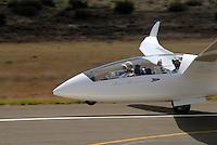 4415 / Duo XT: AFRIKA, SUEDAFRIKA, 02.01.2007:Doppelsitzer, Duo Discus XT, Flugzeugschlepp