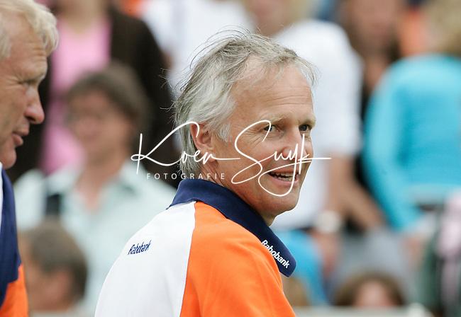 AMSTELVEEN: Champions Trophy 2006 dames. Jan Albers , maneger van de dames en de nieuwe voorzitter van de hockeybond ANP PHOTO KOEN SUYK