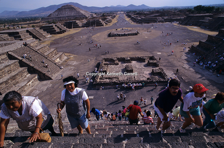 Citadel & Avenue of the Dead, Cerro Gordo, Pyramid of the Sun, Pyramid of the Moon, The city covers nearly 8 square miles, Teotihuacan, Mexico