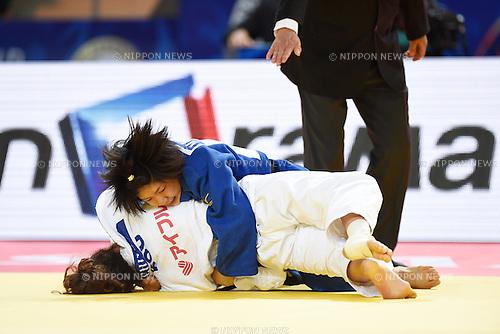 (L-R) Andreea Chitu (ROU), Misato Nakamura (JPN), AUGUST 25, 2015 - Judo : World Judo Championships Astana 2015 Women's -52kg Final match at Alau Ice Palace in Astana, Kazakhstan. (Photo by AFLO SPORT)