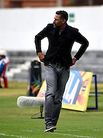 TUNJA -COLOMBIA, 25-02-2017: Mario Alberto Yepes técnico de Deportivo Cali gesticula durante partido contra Patriotas FC por la fecha 6 de la Liga Águila I 2017 realizado en el estadio La Independencia de Tunja. / Mario Alberto Yepes coach of Deportivo Cali gestures during match against Patriotas FC for the date 6 of Aguila League I 2017 played at La Independencia stadium in Tunja . Photo: VizzorImage/César Melgarejo/Cont