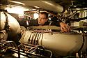 SNA Saphir,<br /> Sous-marin nucl&eacute;aire d'attaque.<br /> Moteur alternateur diesel chargeur de batteries.<br /> (En cas d'arr&ecirc;t de la chaufferie nucl&eacute;aire)